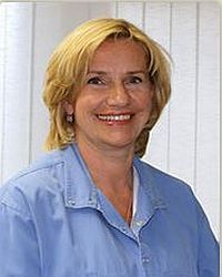 Dr. Zsuzsanna Horvath - Implant Center Hungary
